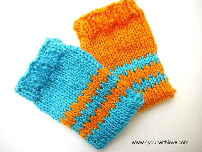 knitted gift card holder