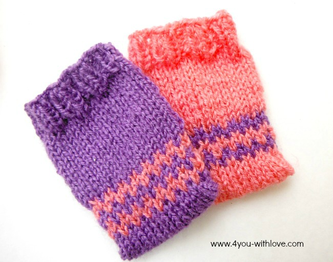 colorful knitted gift card holders