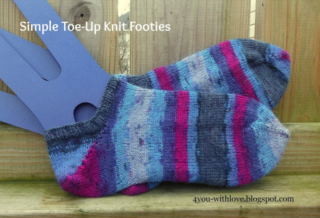 Simple Toe Up Knit Footies