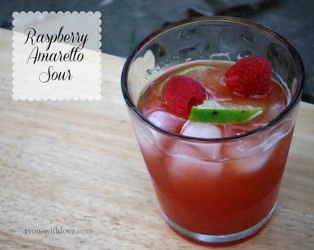 Party Thyme, Beat the Heat – Raspberry Amaretto Sour