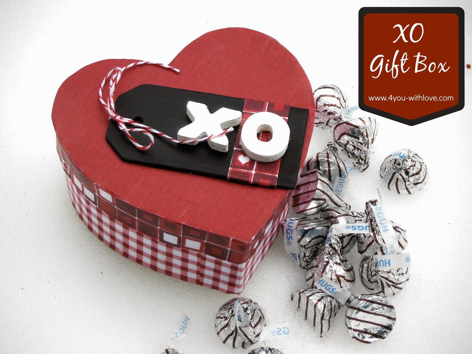 """XO"" Decoupaged Gift Box is #FabulouslyFestive"