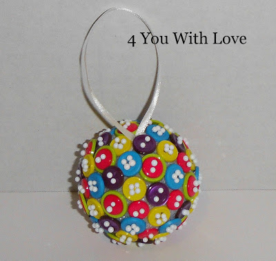 Homemade Holiday Inspiration Day 6 – Button Ball Ornament